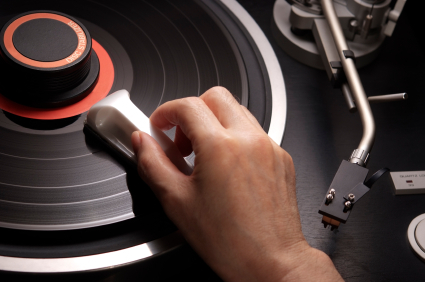 så rengör du din skivsamling av vinylskivor